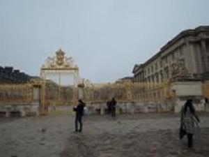 ヴェルサイユ宮殿の前門